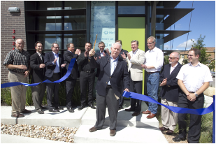 On Tuesday, June 11, NI employee Roberto Piacentini joined Pike Powers, the U.S. Department of Energy, and delegates from other major tech companies at the opening of the Pike Powers Lab.